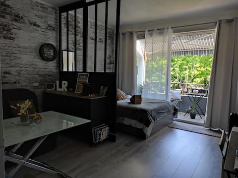 Le Coligny 49, a cozy studio🌿 quiet 🌳+ Wi-Fi