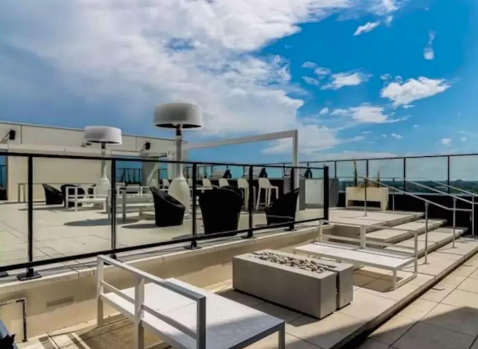 10th Floor Outdoor Patio