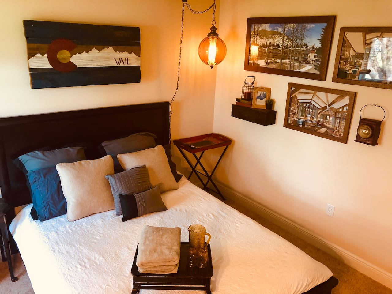 Our Cabin Room has nice warm colors and lots of cool antiques :) Check out our Beach Room for a second room option.