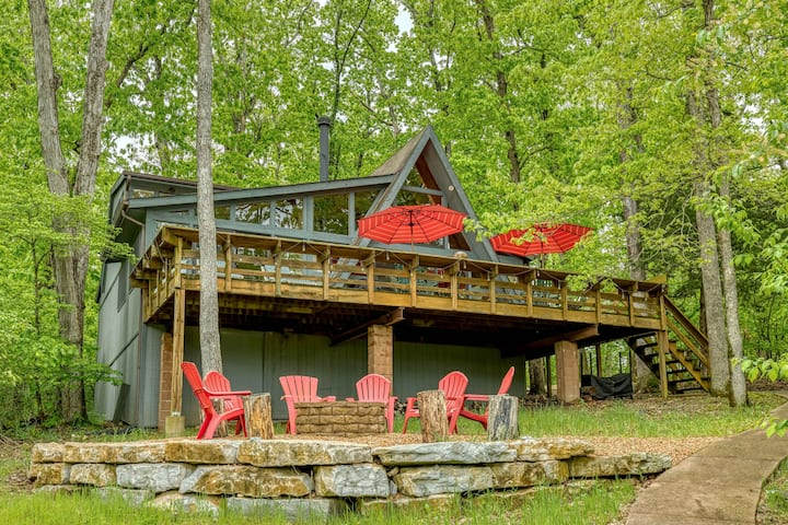 Cardinal Lake Cottage by Sarah Bernard Chalets with Private Dock, Beach and Fire Pit