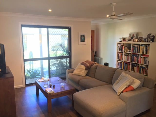 Ballina Villa. 5 min from airport, high st & beach
