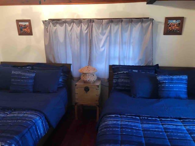 ベッドルーム2 (bedroom)