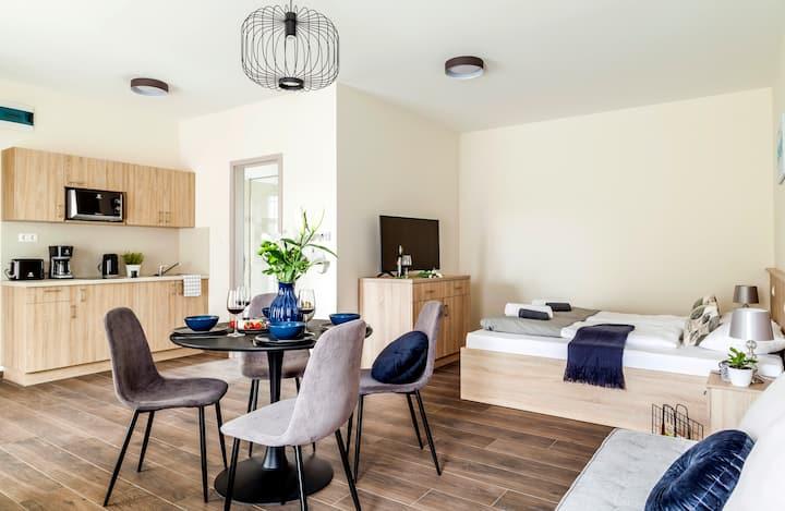 Modern studió lakás a tihanyi Belső-tó partján