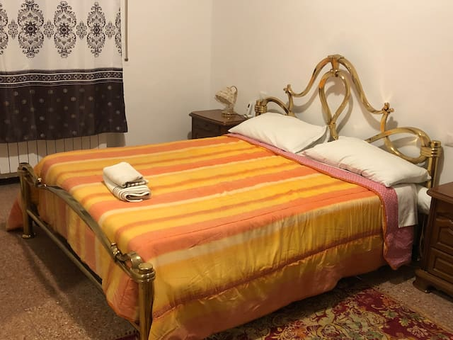 Room privat in  Linate airport