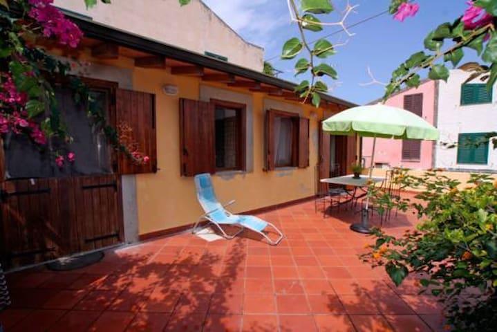 Casa GIALLA - Mongiove - Casa