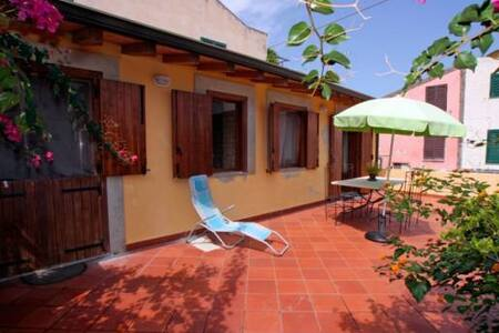 Casa GIALLA - Mongiove