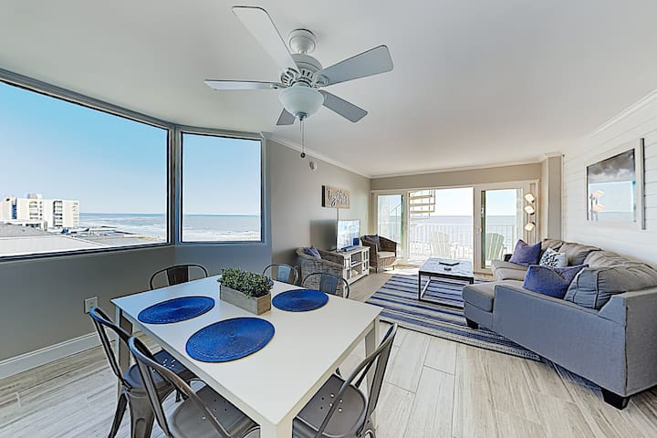 New Listing! Chic Ocean-View Condo w/ Rooftop Deck