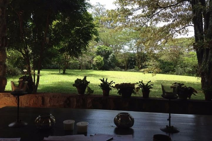 Peaceful Retreat in Karen - Nairobi - Bed & Breakfast