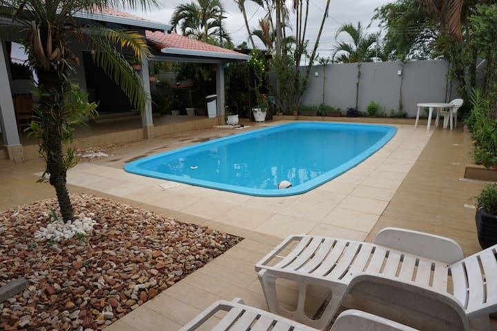 SUÍTE AND POOL