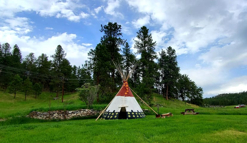 Plenty Star Ranch - Lakota Style Tipi
