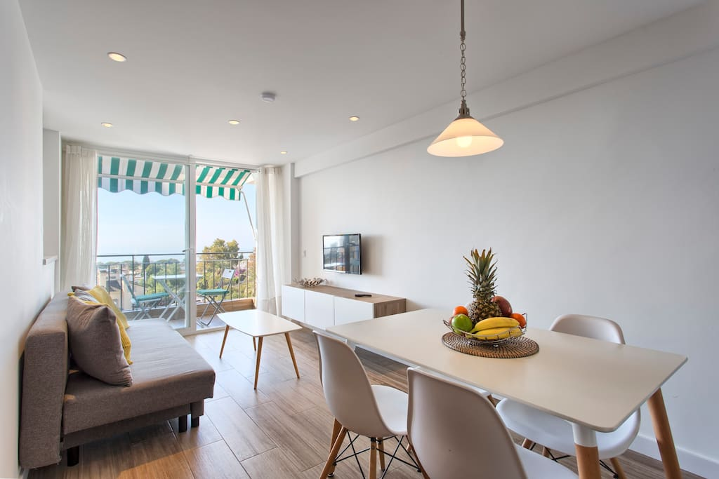 Modern and luminous apartment located downtown Marbella