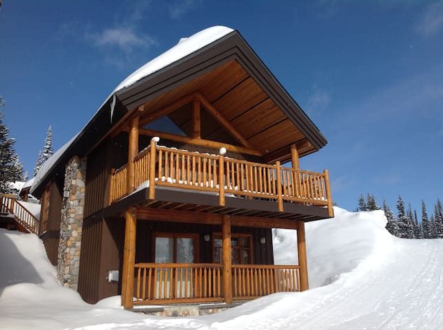 Centrally located cabin at Big White Ski Resort