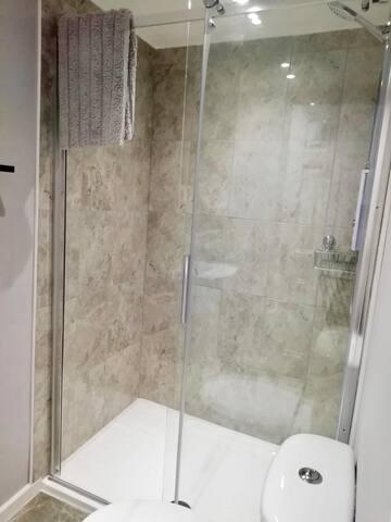 Lovely walk in shower