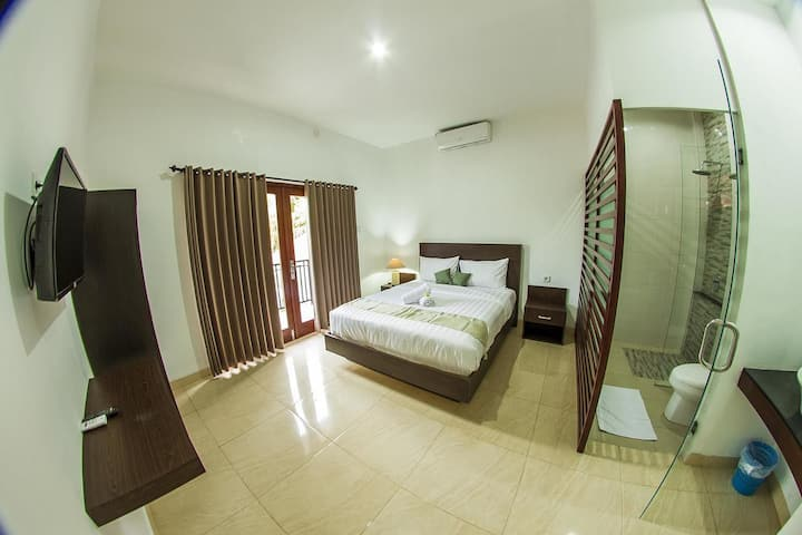 Gatsby Hotel Hostel - Double Bed with Balcony