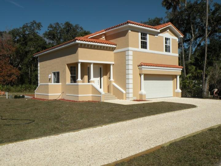 New (Feb 2016) 3BR, 2.5 BA Villa 162