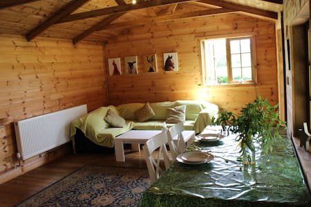 Log cabin retreat - Canterbury