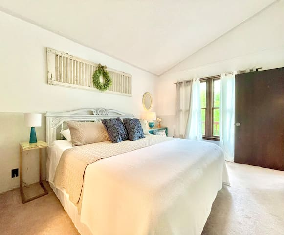 King Size Bed in Master Ensuite