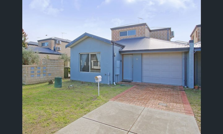 { Cannington Home - House 3 } ~ (3 bedroom, WiFi)