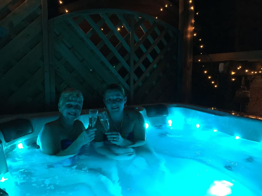 Our guests enjoying the bubbles!