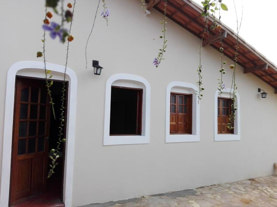 fachada da porta interior de acesso a casa