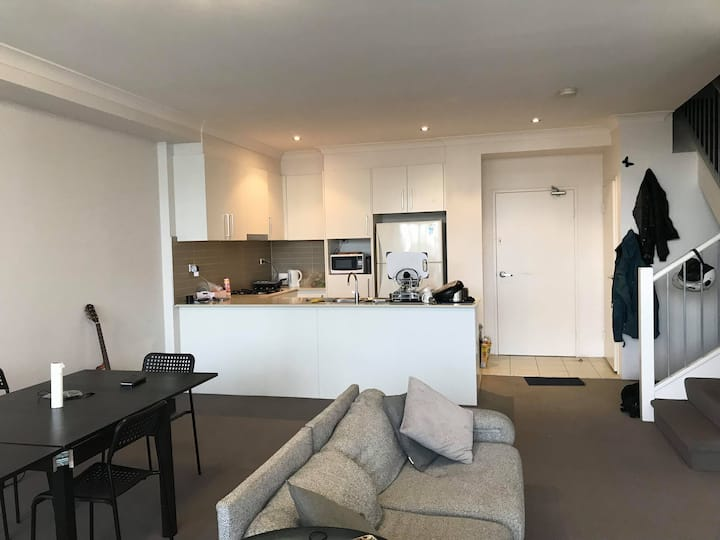 Big Ensuite  Arncliffe near to the airport and CBD