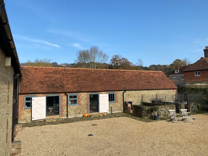 Entire barn, private access / courtyard, W Sussex.