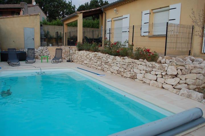 Villa 3 ch - 6 pers au cœur de la Drome Provençale