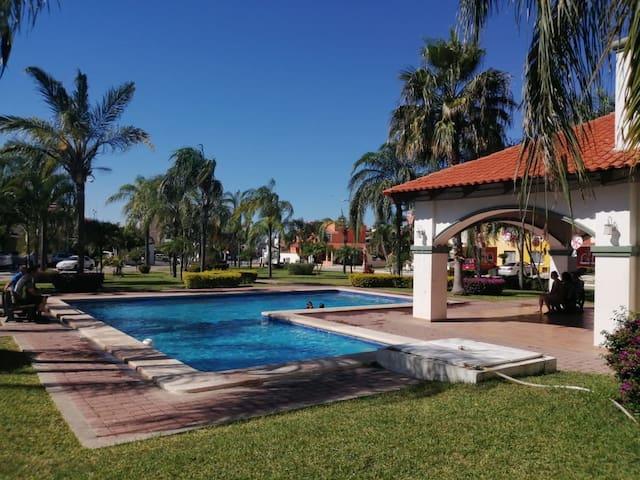 Casa en coto privado/ Alberca y playa