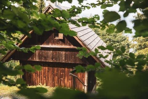 Holzknechthütte - hytte med egen forplejning i skoven.