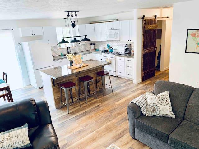 """NEW ENTIRE HOUSE"" Echo Lake Road Farmhouse"