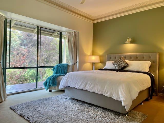 Newly upgraded bed & mattress set - room 4. ⭐️⭐️⭐️⭐️⭐️