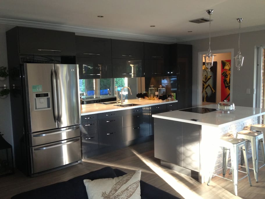 Modern Kitchen with island dinning