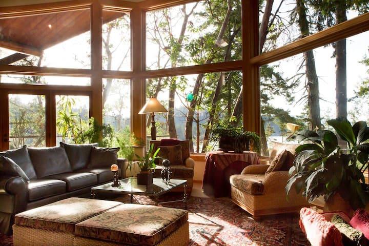 Elegant Northwest-Style Waterfront Home