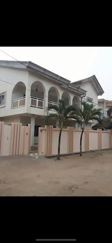 Villa Cotonou / Abomey-Calavi