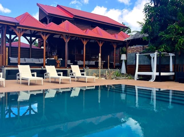 DESIRABLE Villa piscine et spa privés 6-7p maxi. - Vieux Habitants