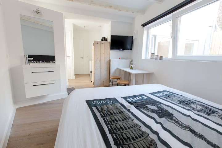 New studio 1 min to the beach 30 min to Amsterdam - Zandvoort - Byt