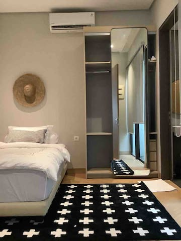 Connecting Bedroom with single bed