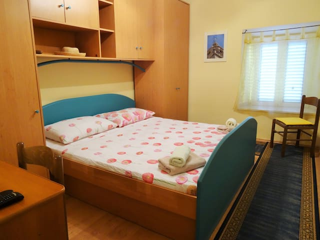 Cat house- Double room in Korcula centre