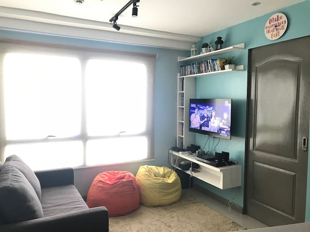 New cozy modern 1Br pad in the heart of Ortigas