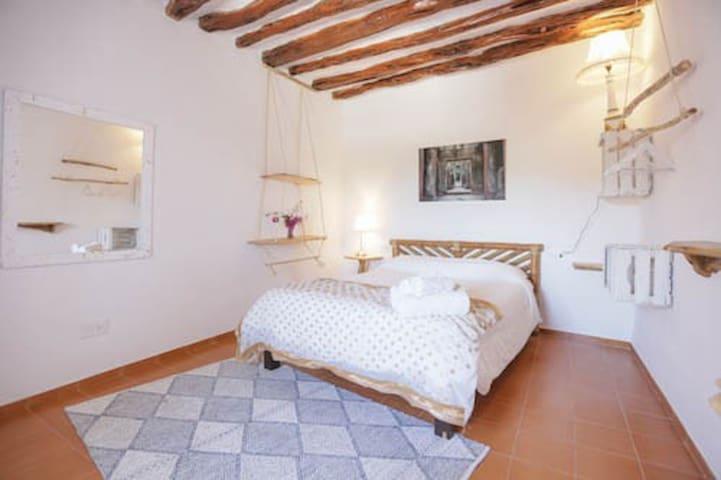 Charming room in bohemian villa