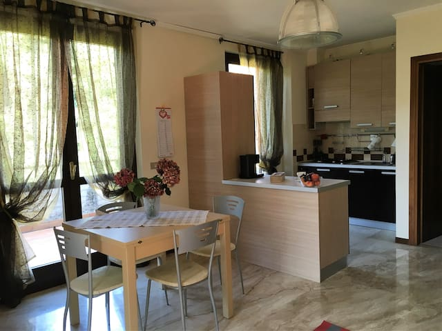 Cozy studio flat nearby the city centre - Brescia - Leilighet