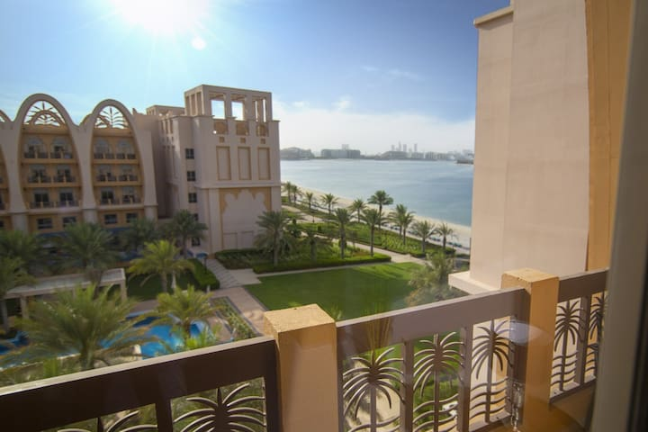 Private beach sea view apartment on the Palm