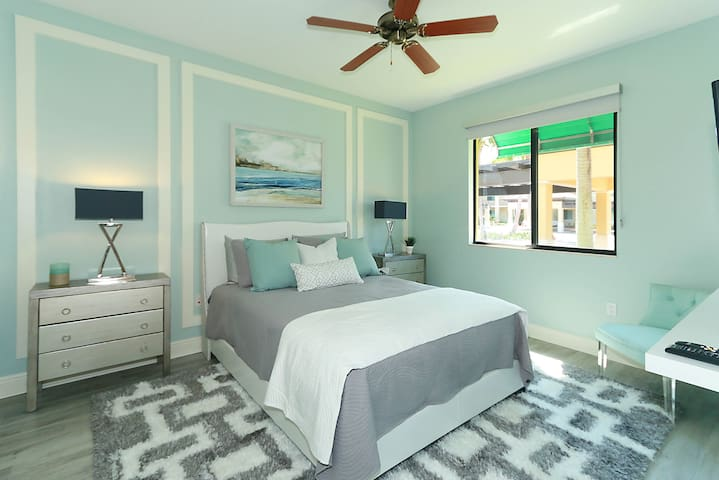 Bedroom 2 -This bedroom can be set up as a King or 2 twin beds