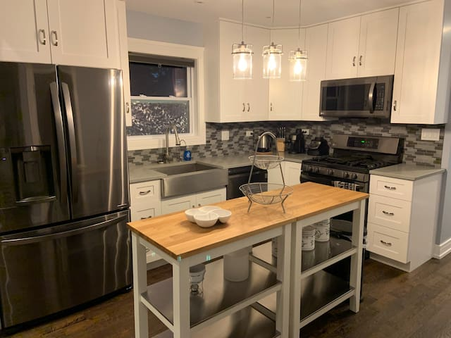 Modern & Comfy House Close to O'Hare & Rosemont