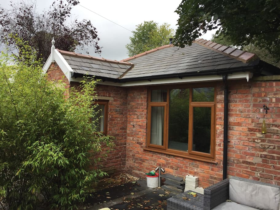 One Bedroom self contained lodge by Heaton Park