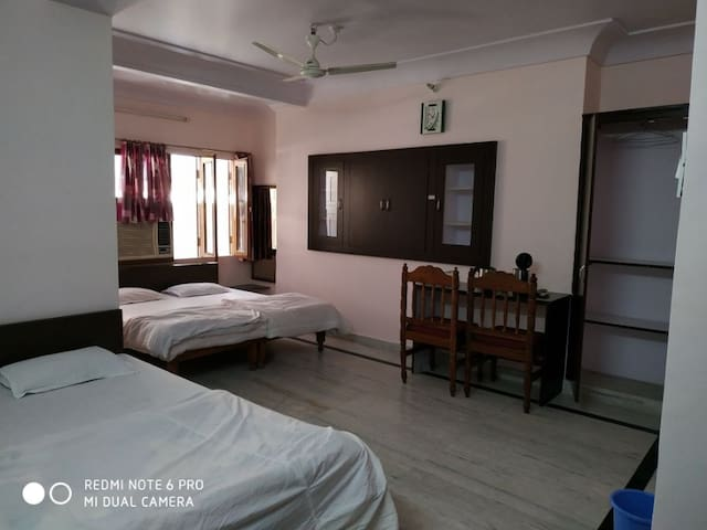 Dormitory Room-Boby Home Stay- Kishan Pole Bazar, Inside Ajmeri Gate, Jaipur Rajasthan