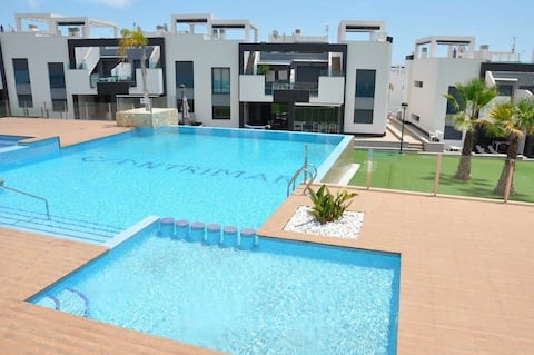 Modern 6 bed apartment