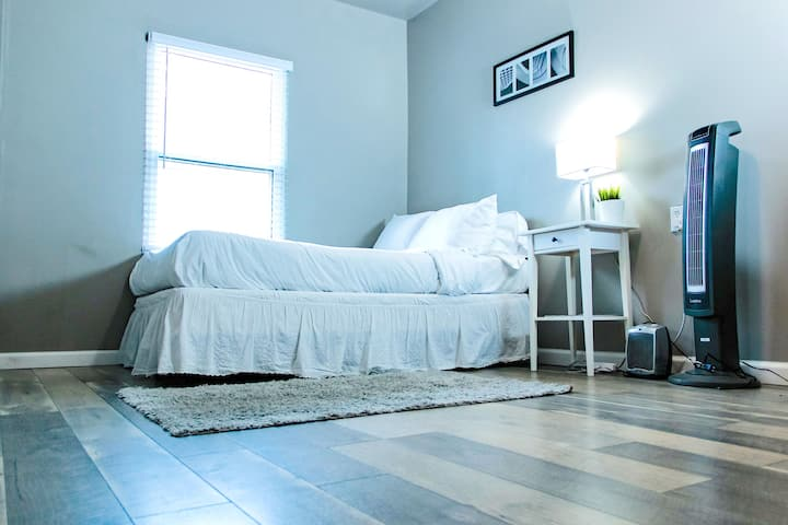 Cozy Kennesaw with MONTHLY DISCOUNT Room #5