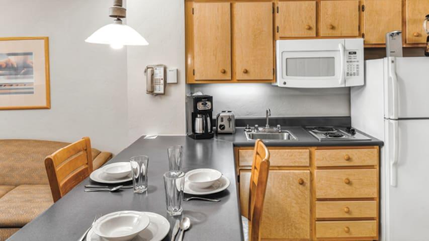 Tucson Arizona, One Bedroom Luxury Condo (A450)