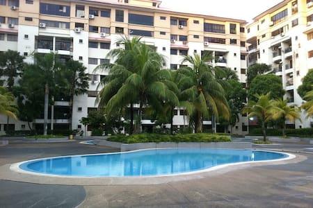 Apartment Klang - Klang